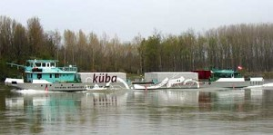 Küba: Journey against the Current