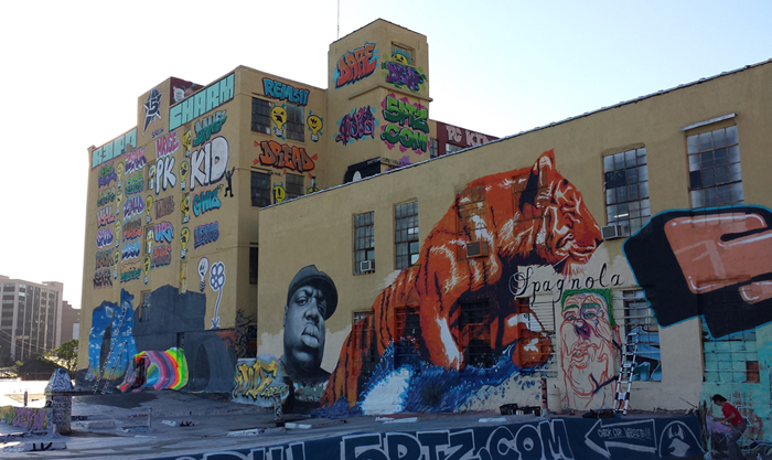 5Pointz-side