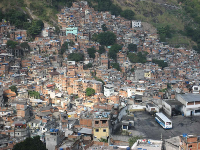 One-of-the-many-favelas-in-Brazil-justinknabb